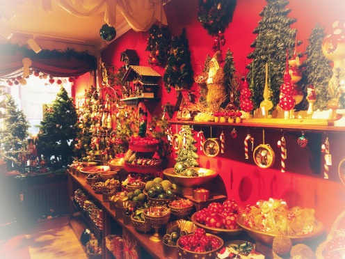 Pope Christmas Store in Basel