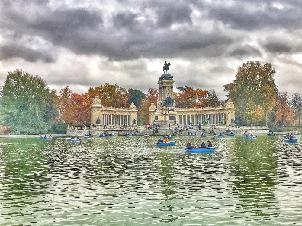 Lake at Retiro Park