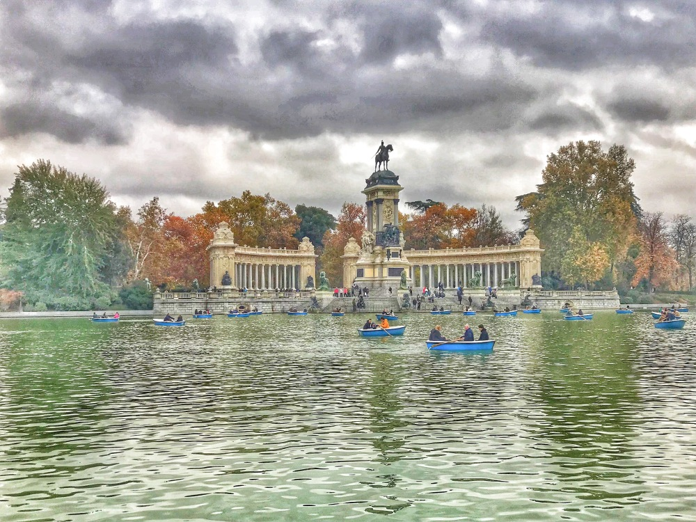 Lake at Retiro Park