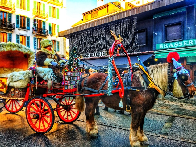 Carriage rides through Chamonix